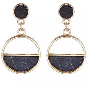 🐆🆕Black marble and gold hoop earrings!